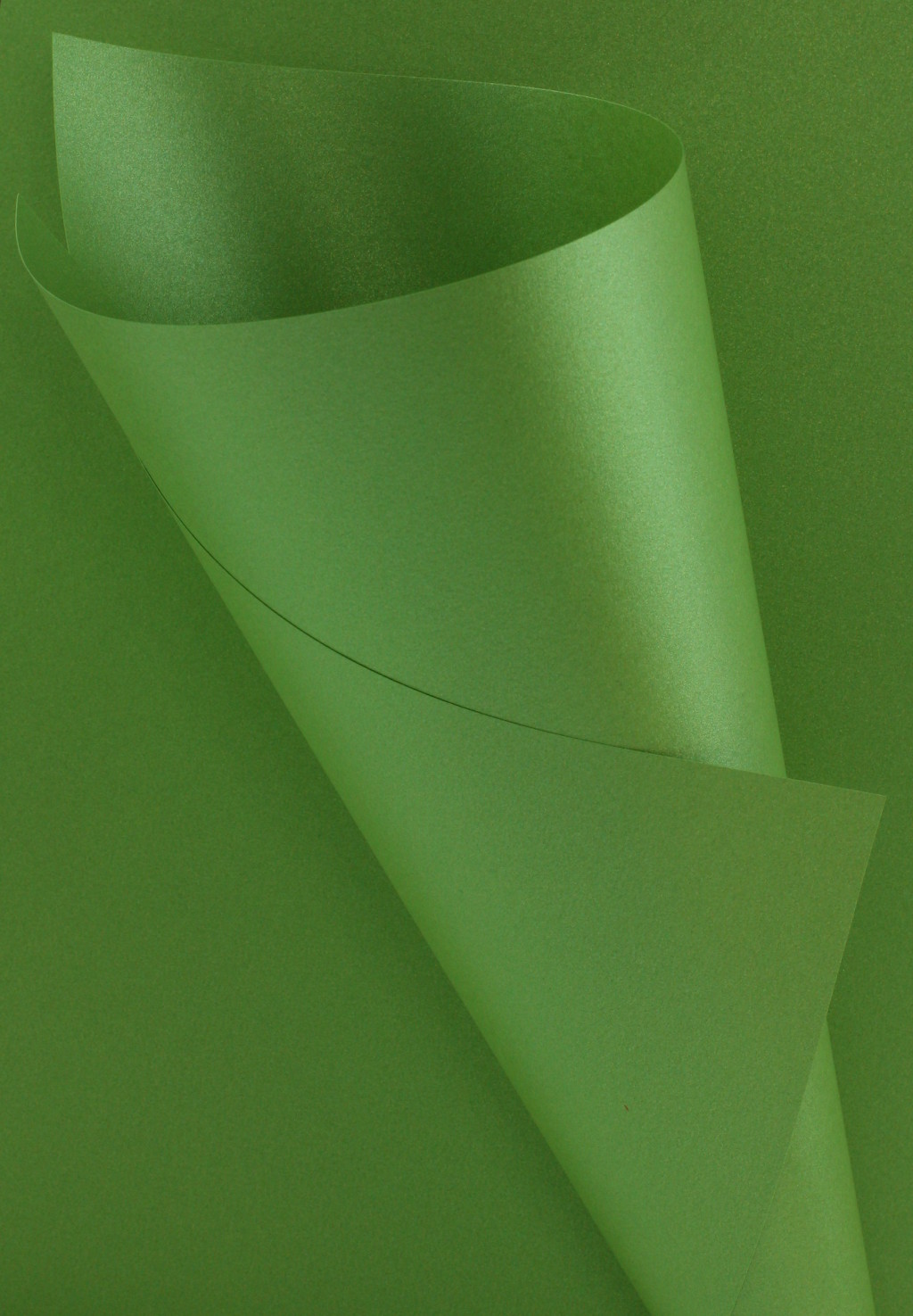 Pearlescent Green Paper 120gsm